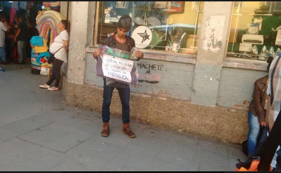 En la Sexta Avenida fue captado con un cartel. (Foto: Radio Punto/IsiEspantzay)