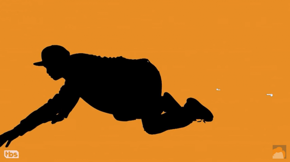El video muestra a las siluetas buscando los AirPods en el suelo. (Captura Youtube)