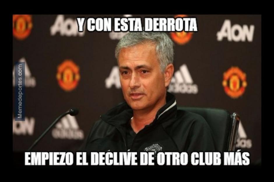 Mourinho tuvo una mala temporada con el Chelsea el año pasado. (Twitter)