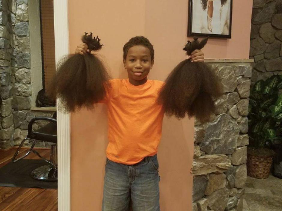 Con el cabello que le creció se podrán hacer tres pelucas. (Foto: Twitter, @storkpatrol)