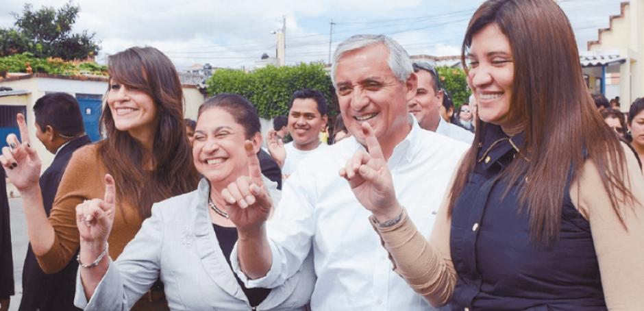 El juzgado de Extinción de Dominio embargó las cuentas de Lisseth Pérez Leal, una de las hijas del exmandatario. (Foto: Archivo/Soy502)