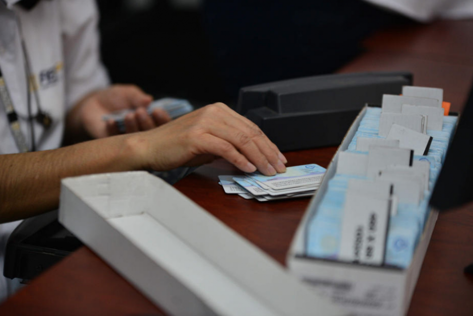 Los problemas entre Easy Marketing y el Renap han impedido la impresión de unos 115 mil DPI. (Foto: Archivo/Soy502)
