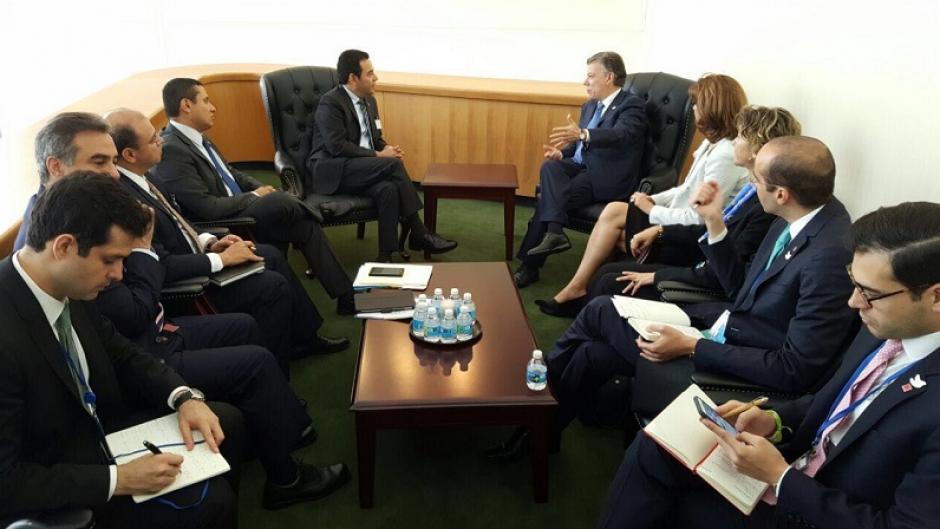 Juan Manuel Santos, presidente de Colombia y su equipo se reunió con Morales.  (Foto: AGN)