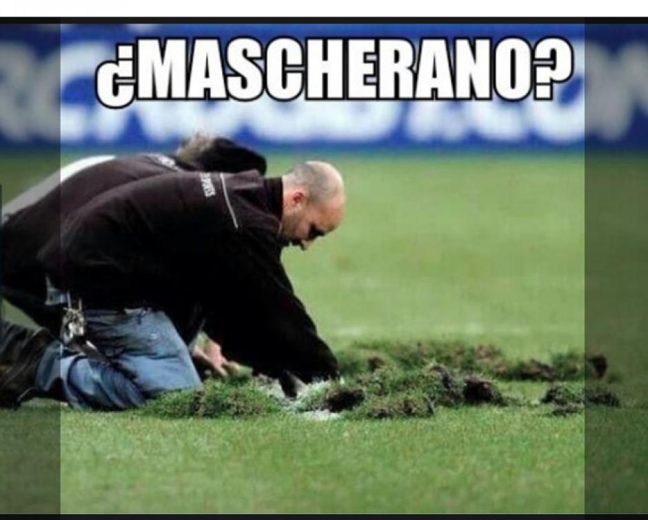 La caída de Mascherano que provocó el empate fue viralizada. (Foto: MemeDeportes)