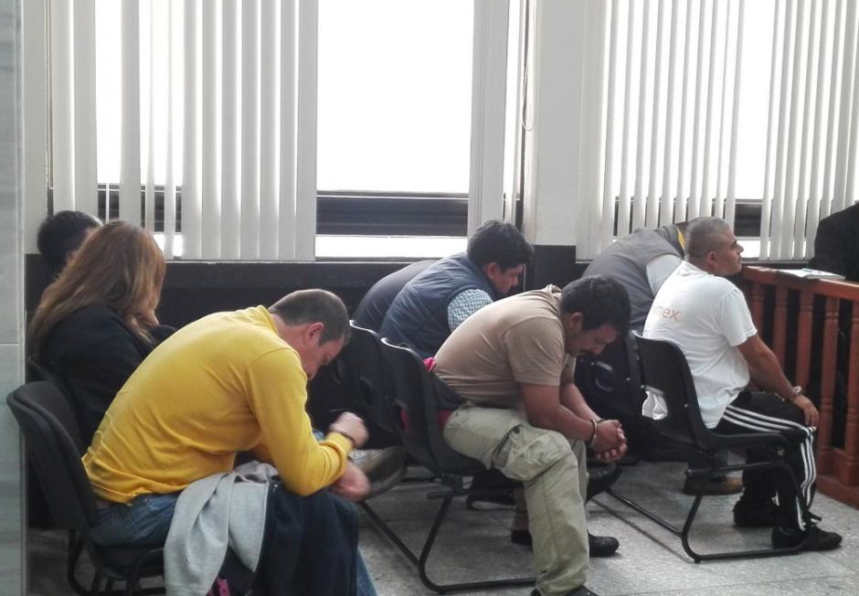 Ocho personas fueron ligadas a proceso por estafar a guatemaltecos por medio de compras por Internet. (Foto: Soy502)