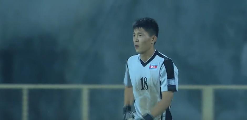 Así quedó el pobre joven después del gol. (Captura de Pantalla)