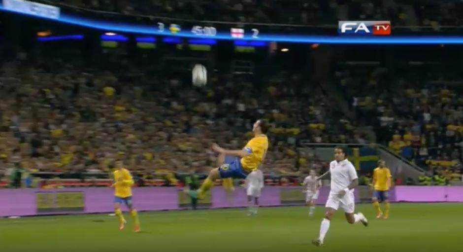 El gol recordó a uno que Ibra le metió a Inglaterra. (Captura de Pantalla)