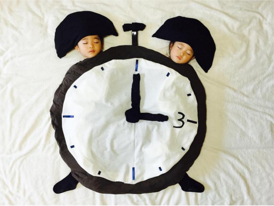 En este comparten una manta en forma de reloj. (Foto: Instagram/@ayumiichi)