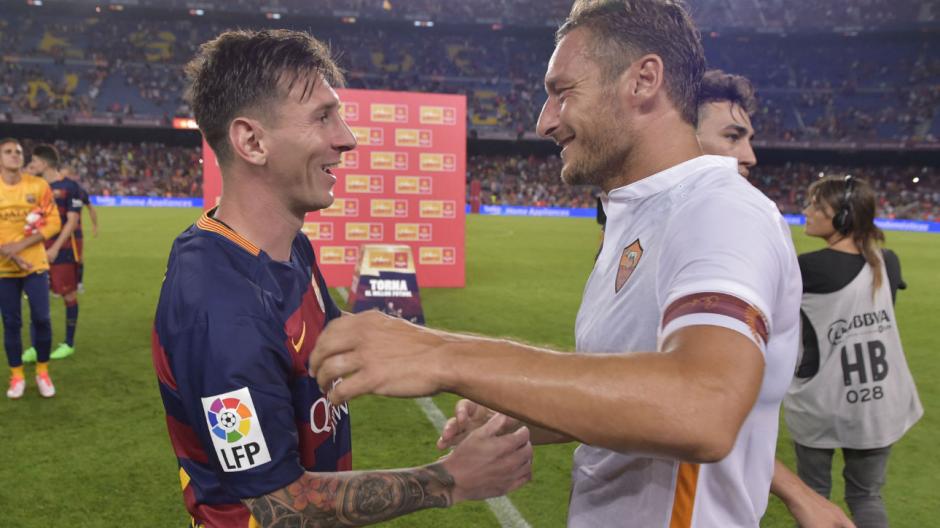 Messi y Totti, el año pasado durante el Trofeo Joan Gamper. (Foto: FCB.com)