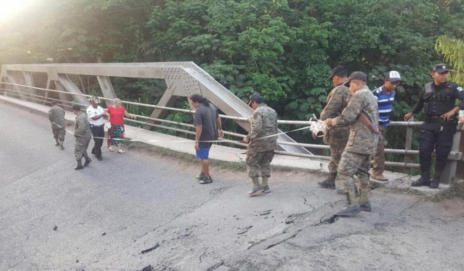 Un equipo multidisciplinario trabajó durante 18 horas en el área. (Foto: Francisco Vela/Facebook)