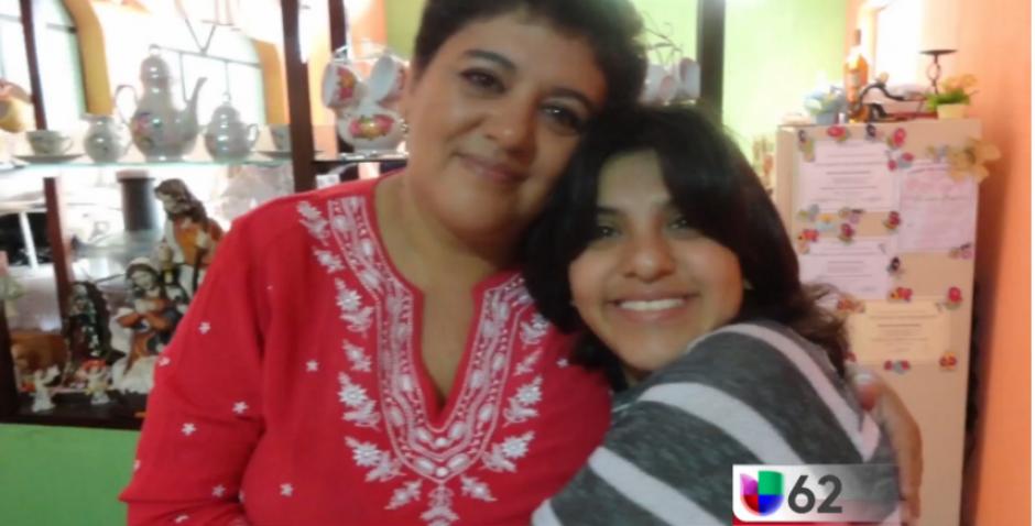 Stefany viajó junto con su madre, Pati para someterse a una cirugía en Austin, Texas. (Captura Youtube)