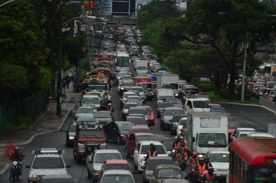 Esta tarde el tráfico será denso en la capital y otros municipios. (Foto: Archivo/Soy502)