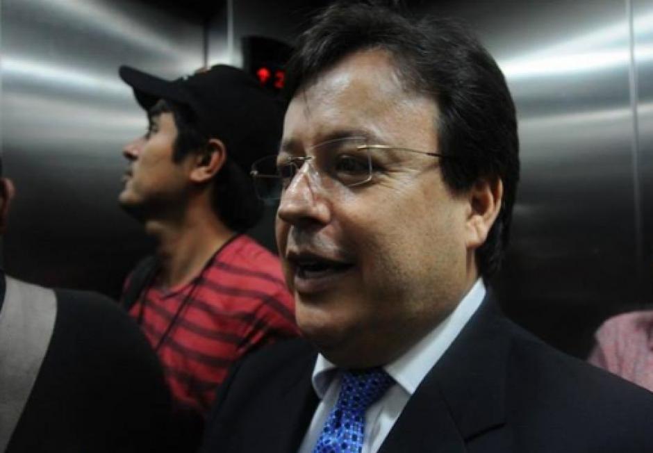 Aunque aún no enfrenta un proceso Penal, el magistrado de la CSJ, Vladimir Aguilar renunció en mayo tras ser señalado de incumplimiento de deberes. (Foto: Archivo/Soy502)