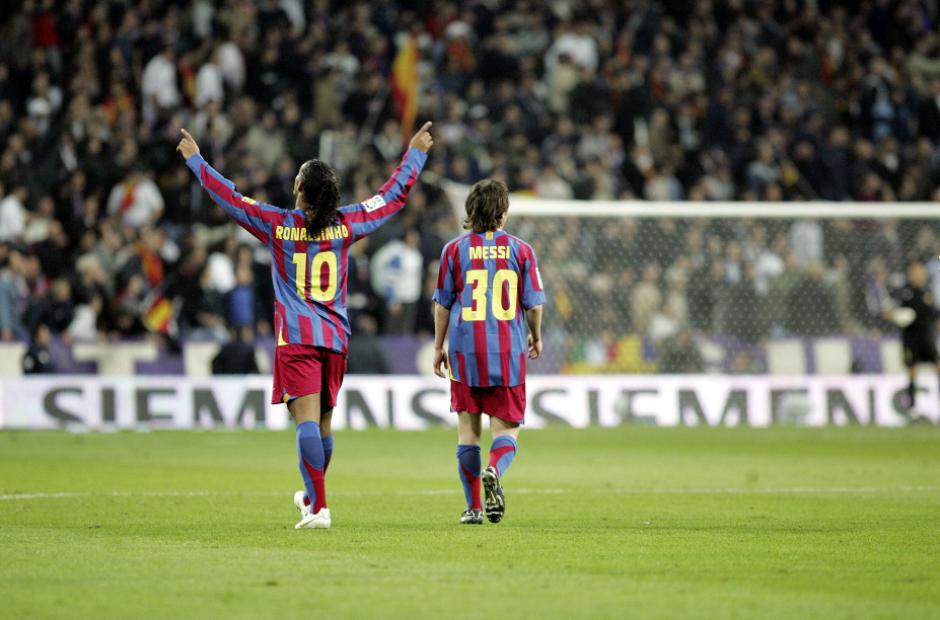A Ronaldinho y Messi todavía les une una gran amistad. (Foto: Barcablog.com)
