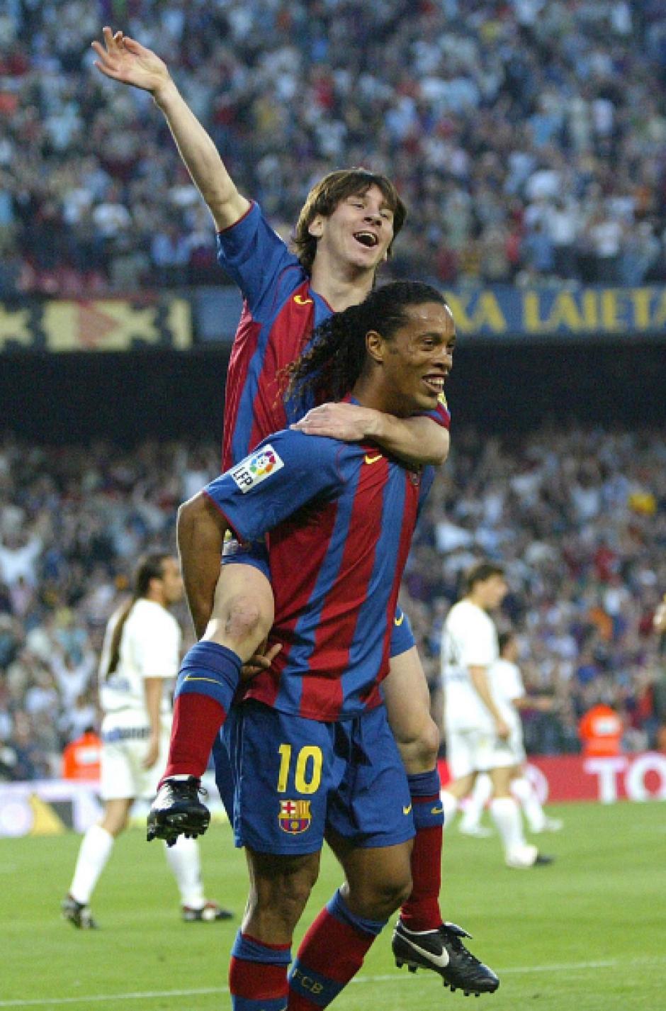 Messi metió su primer gol a pase de Dinho. (Foto: Pinterest)