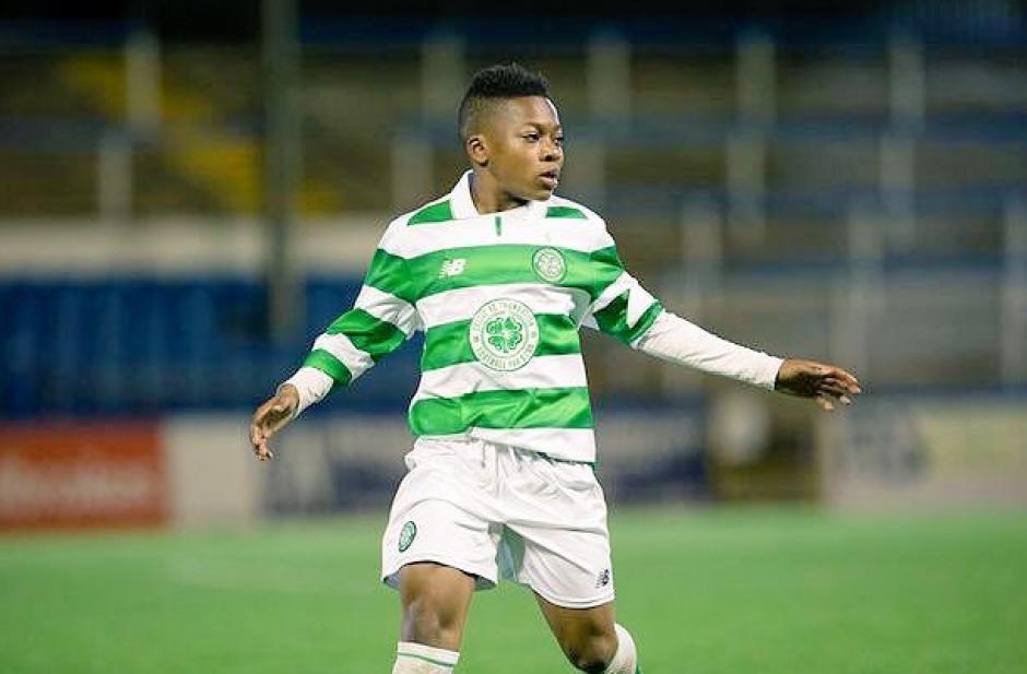 Dembele tiene 13 años y juega con futbolistas 7 años mayores. (Foto: Twitter)