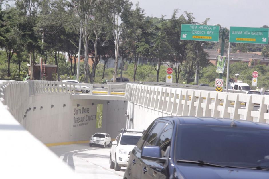 El paso a desnivel tardó nueve meses en ser construido. (Foto: Fredy Hernández/Soy502)