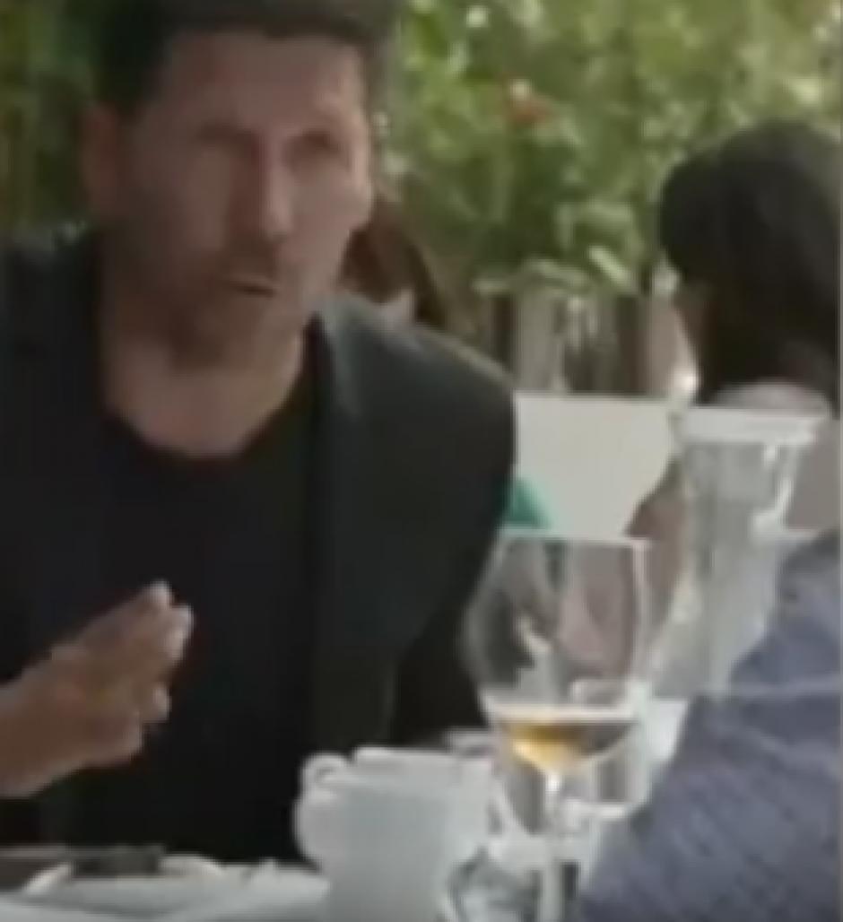 El técnico argentino hablaba sobre algún jugador misterioso. (Captura de Pantalla)