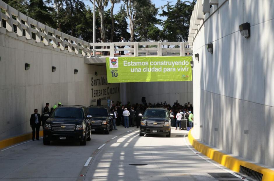 El paso a desnivel espera mejorar el tránsito en la zona 16. (Foto: Alejandro Balán/Soy502)