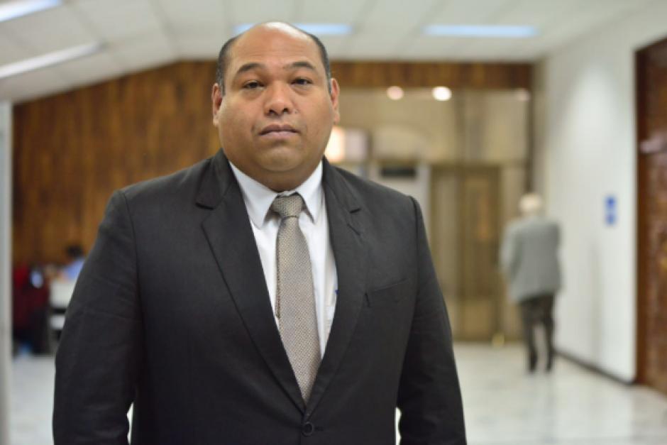 Benjamín Estrada, quien siempre acompañó a Baldetti en las audiencias, también fue uno de sus abogados. (Foto: Archivo/Soy502)