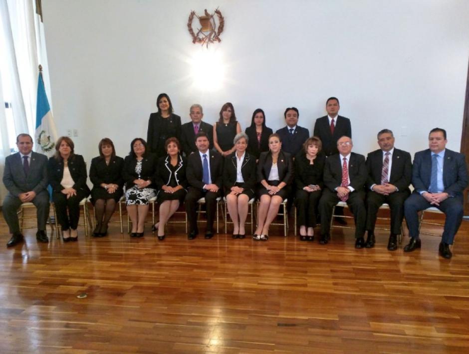 Junto a Gálvez también se reconoció a otros jueces por su labor. (Foto: OJ)