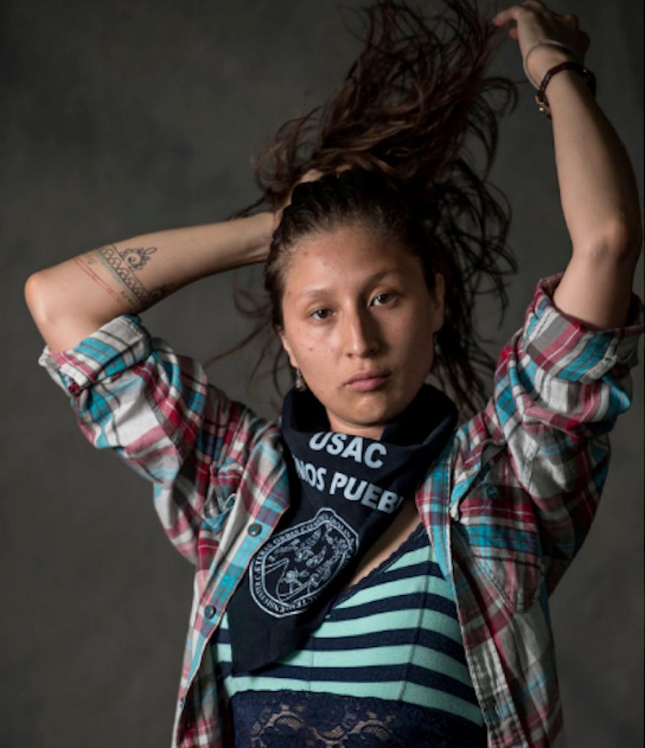 Julia Silvestre, de 27 años, también es socióloga de la Usac. (Foto: Oliver de Ros/The New York Times)