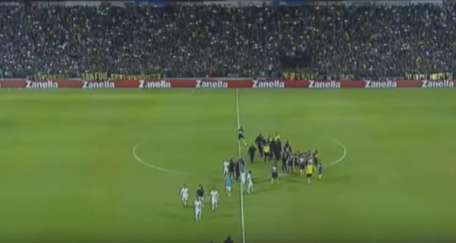 Los jugadores de Olimpia se fueron antes del final. (Imagen: captura de Pantalla)