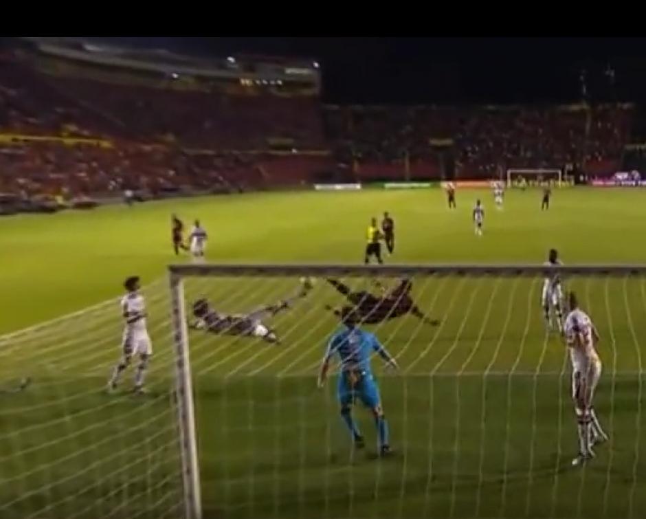 Imagen de la doble chilena en el Sport Recife vs Sao Paulo. (Captura de Pantalla)