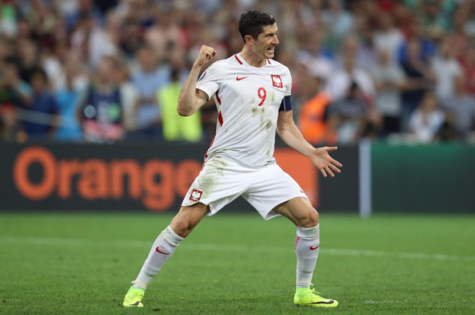 El delantero del Bayern celebra su gol. (Foto: AFP)