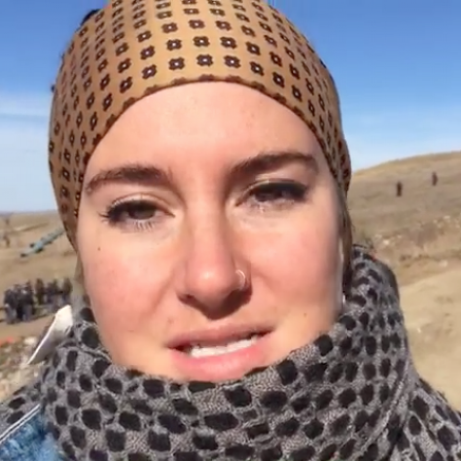Shaile Woodley participó en una manifestación contra la construcción de un oleoducto. (Foto: Captura de pantalla)