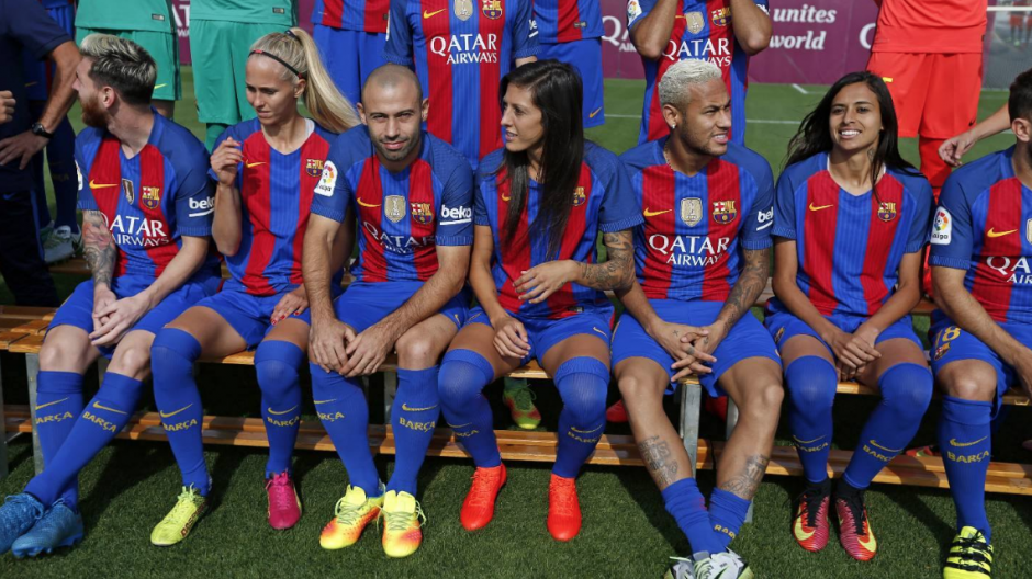 Neymar junto a su paisana, Andressa Alves. (Foto: FCB)