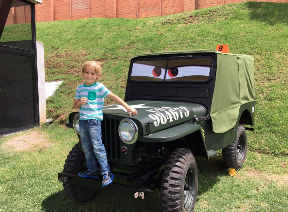 Aunque aún no circula, así se ve el auto militar. (Foto: Pepe Cohen/Facebook)
