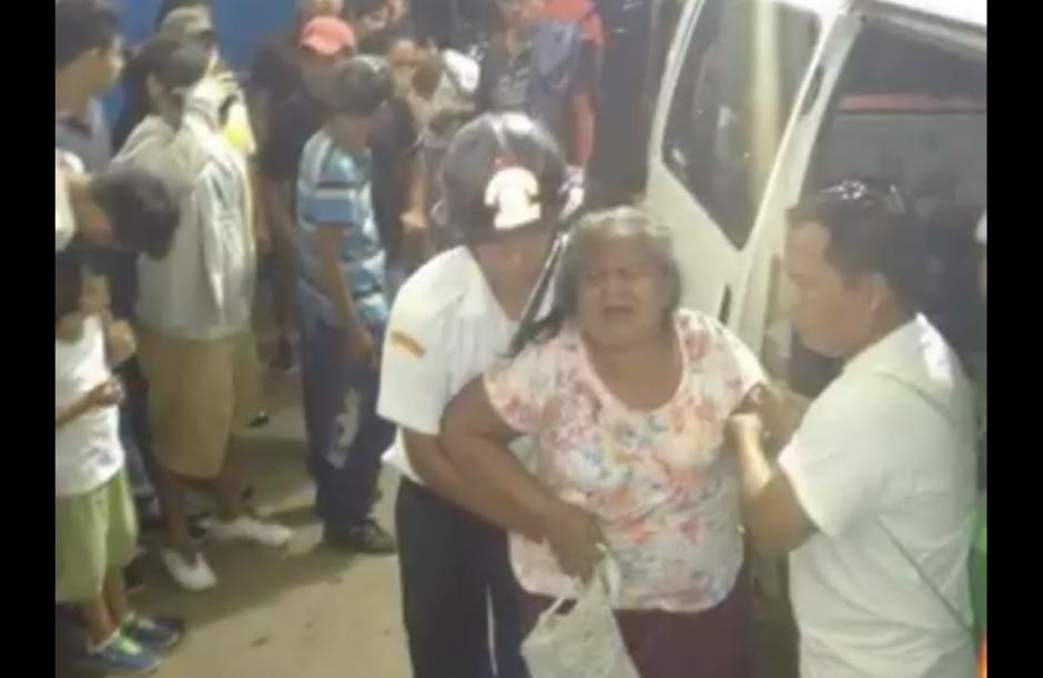 Las personas fueron trasladadas al hospital Nacional de Suchitepéquez. (Foto: Facebook/Suchi Notas)