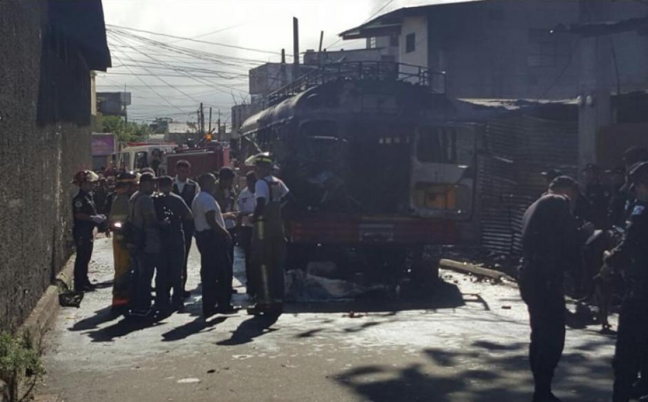La explosión en el interior de un autobús dejó dos muertos y 17 heridos. (Foto: Archivo/Soy502)