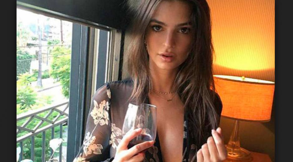 La modelo Emily Ratajkowski acostumbra a publicar fotografías subidas de tono en Instagram. (Foto: La Vanguardia)