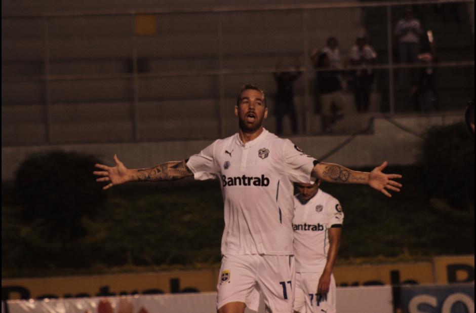 """El """"Colo"""" anotó el segundo en su cuenta personal en el partido a cinco minutos del final. (Foto: Comunicaciones)"""