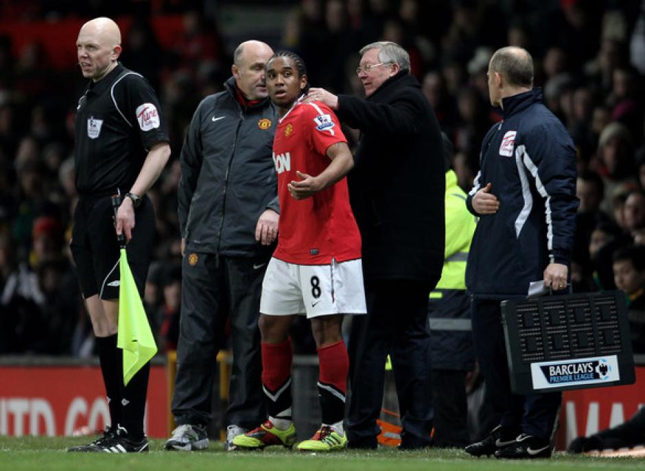 Anderson con Alex Ferguson, quien lo llevó como promesa. (Foto: IB Sport UK)