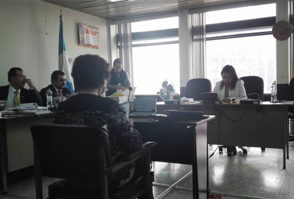 Una perito del Inacif también hizo un peritaje lingüístico del audio de la reunión. (Foto: Marcia Zavala/Soy502)
