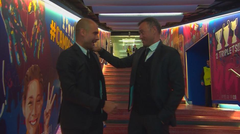 Pep y Luis Enrique en el túnel de vestuarios. (Imagen: captura de pantalla)