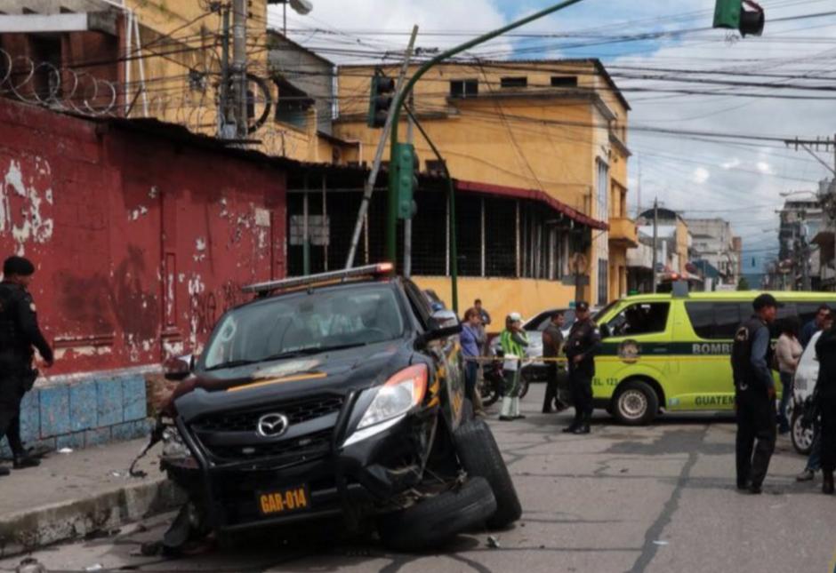 La persecución de la policía terminó con un accidente. (Foto: Bomberos Municipales)