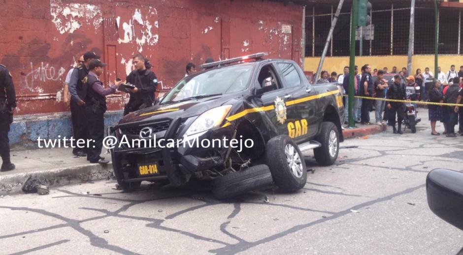 Así quedó la patrulla del Grupo de Acción Rápida. (Foto: Amilcar Montejo/PMT)