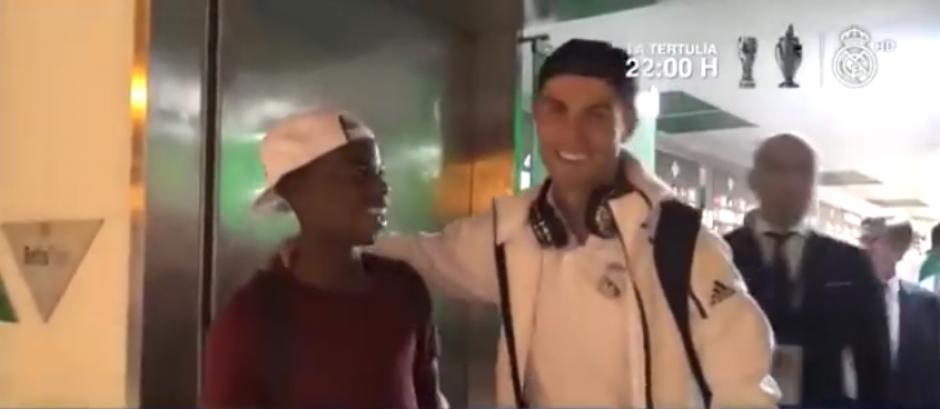 Charly Musonda solo quería conocer a su ídolo. (Imagen: captura de pantalla)
