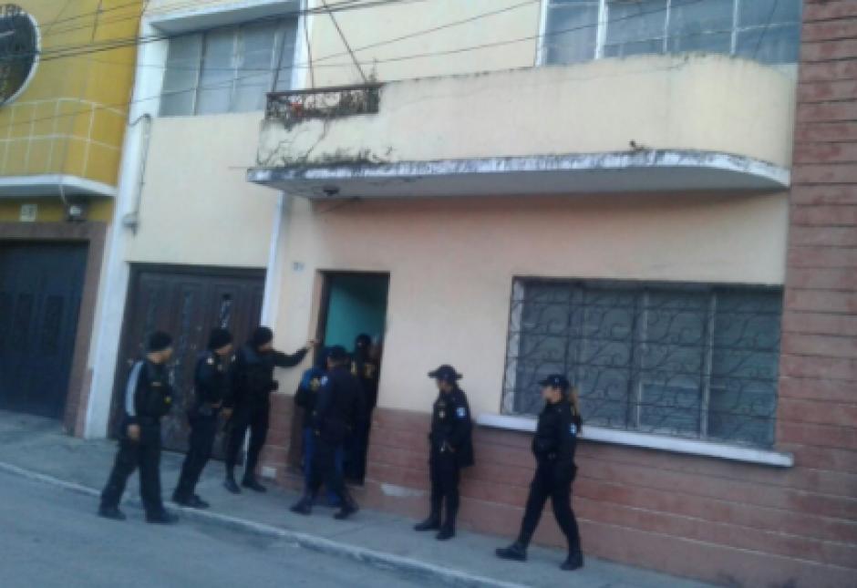 Los doce sindicados fueron capturados durante 17 allanamientos. (Foto: PNC)