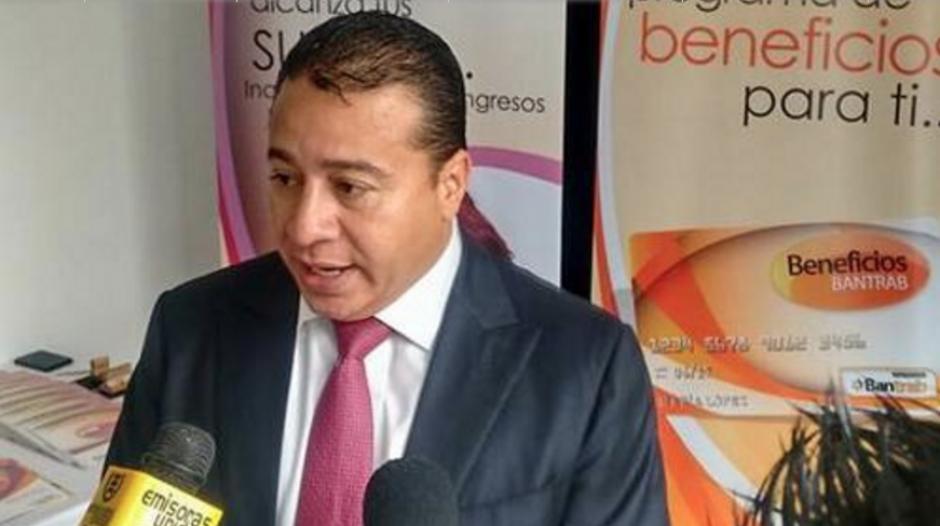 Ronald García gerente del Bantrab era buscado en la zona 4 de Mixco. (Foto: Alejandro Balán/Soy502)