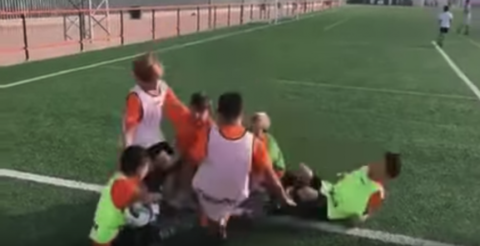 Los niños se divirtieron con un corto video. (Captura de Pantalla)