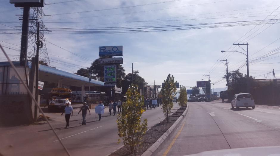De la zona 18 al centro de la ciudad se ve complicado el paso vehicular. (Foto: Amilcar Montejo/PMT)