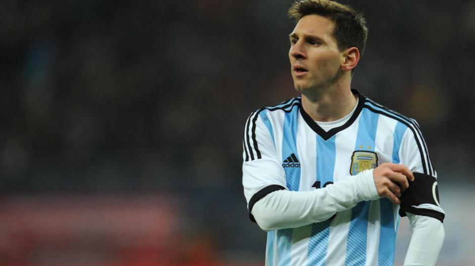 Leo Messi reemplazó a Mascherano como capitán. (Foto: Fox Sports)