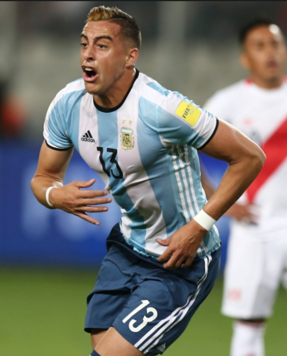 Passarella le daría el brazalete a Funes Mori. (Foto: AFP)