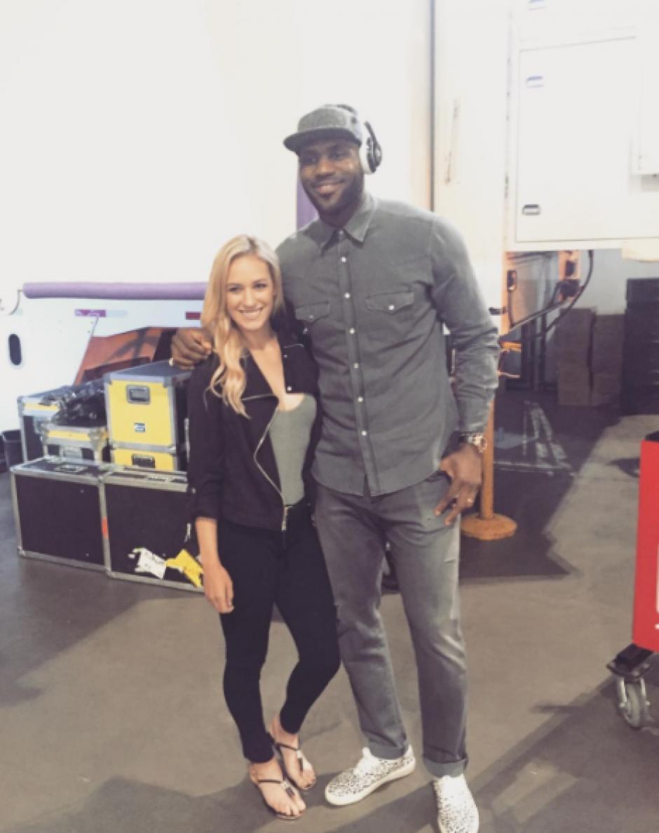 Imagen con LeBron James, leyenda de la NBA. (Instagram)