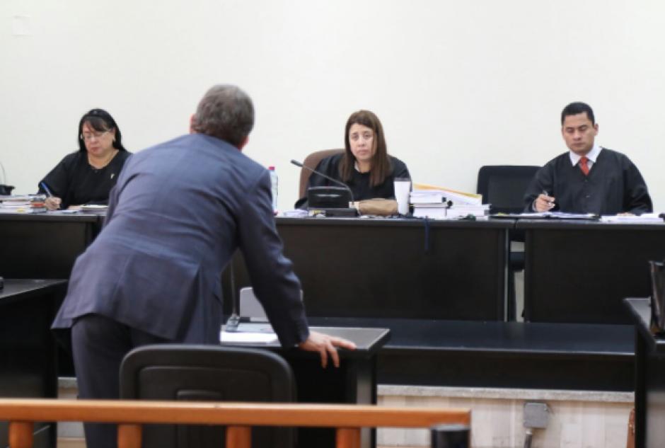 El Tribunal Noveno decidió aplazar sus vacaciones hasta culminar el debate oral contra los implicados en dos fraudes en el IGSS. (Foto: Alejandro Balán/Soy502)